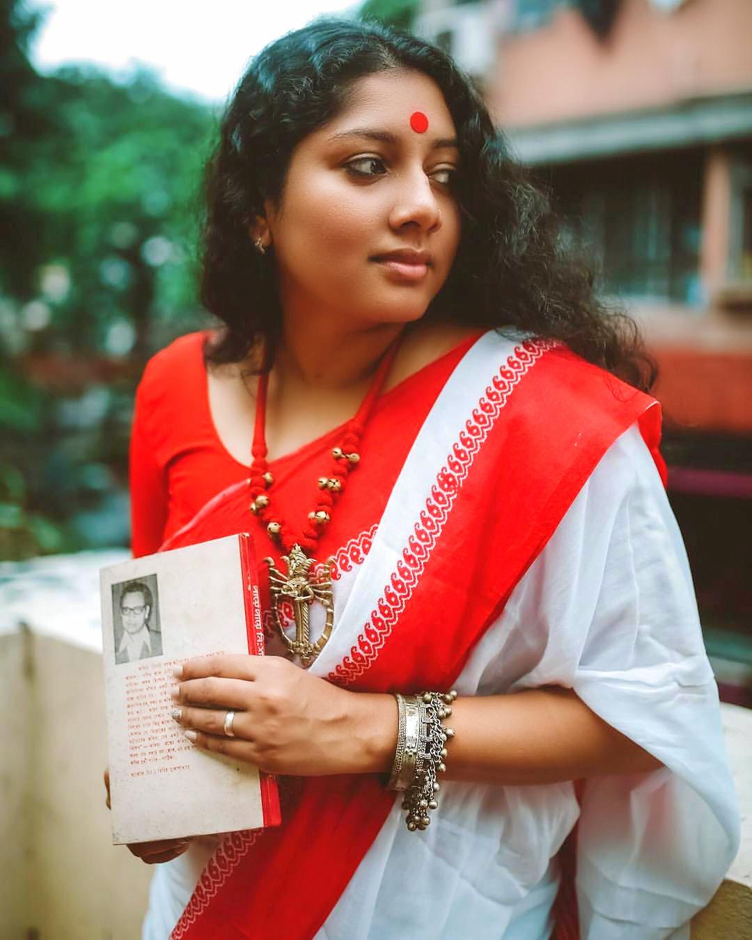 anumol-latest-photos-0931-160