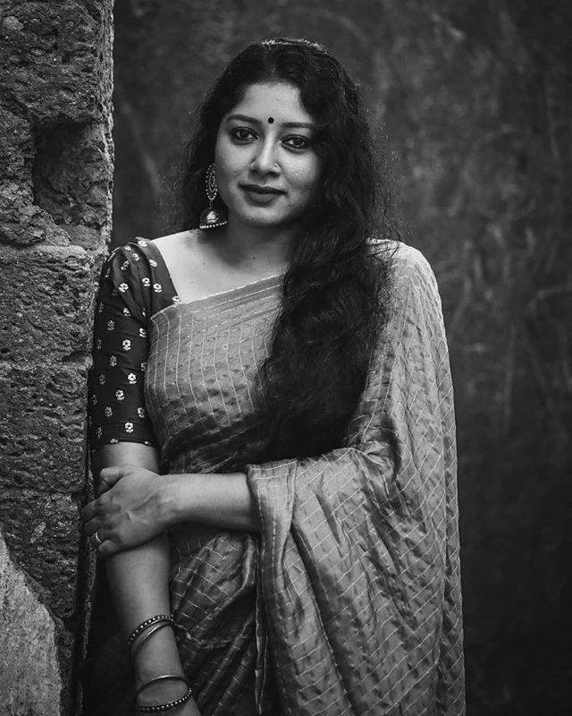 anumol saree new photos0195-005