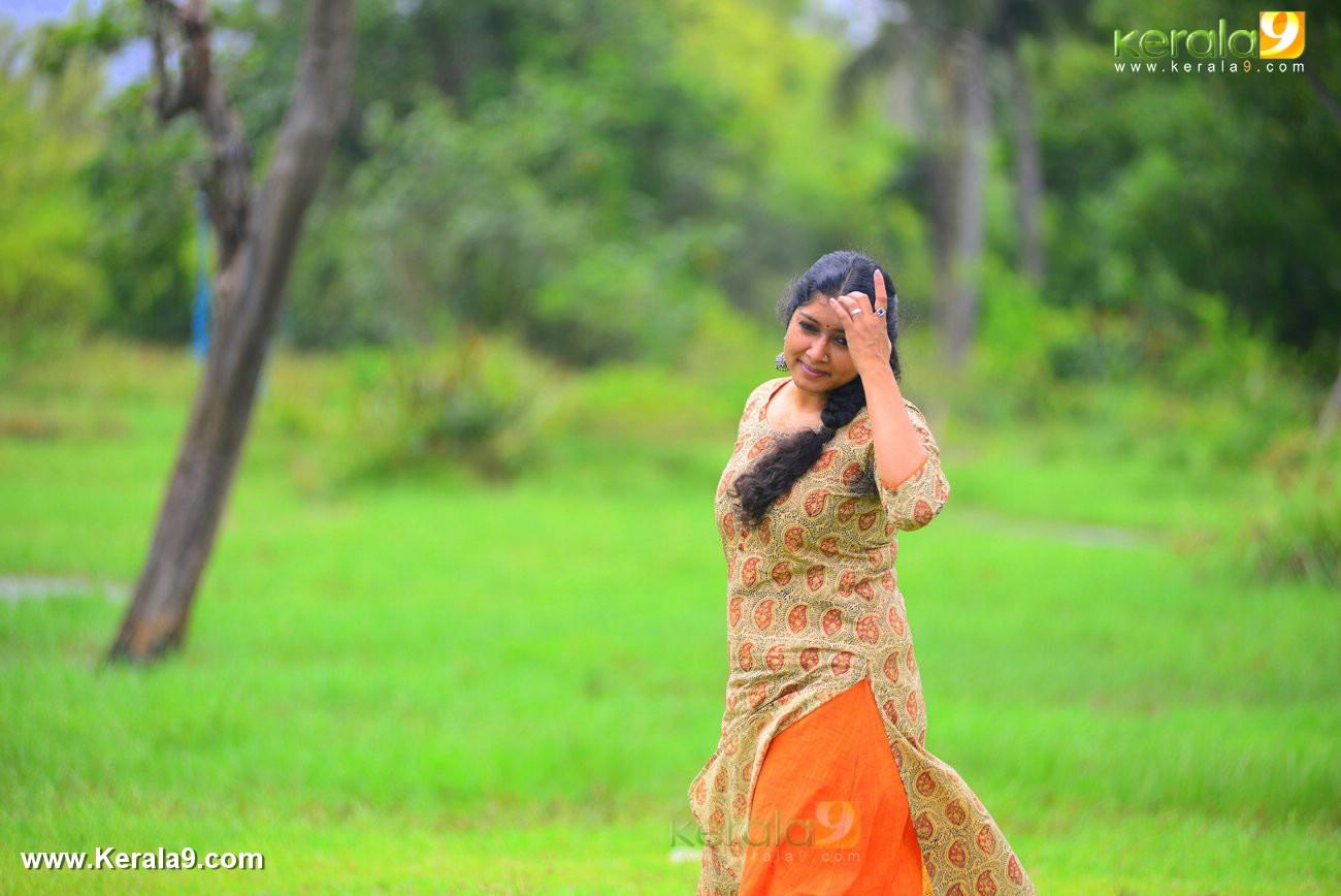 malayalam-actress-anumol-latest-photos-00261
