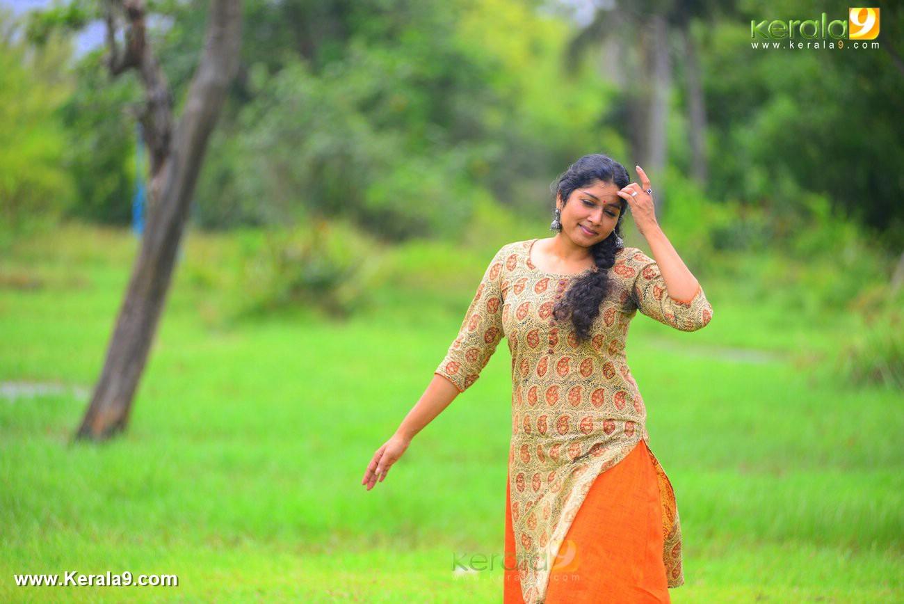 malayalam-actress-anumol-latest-photos-00371