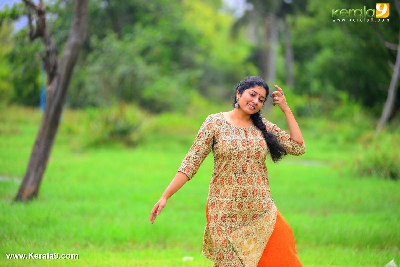 malayalam-actress-anumol-latest-photos-00443