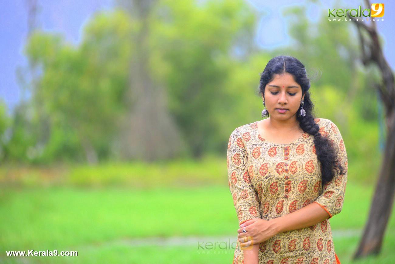 malayalam-actress-anumol-latest-photos-01067