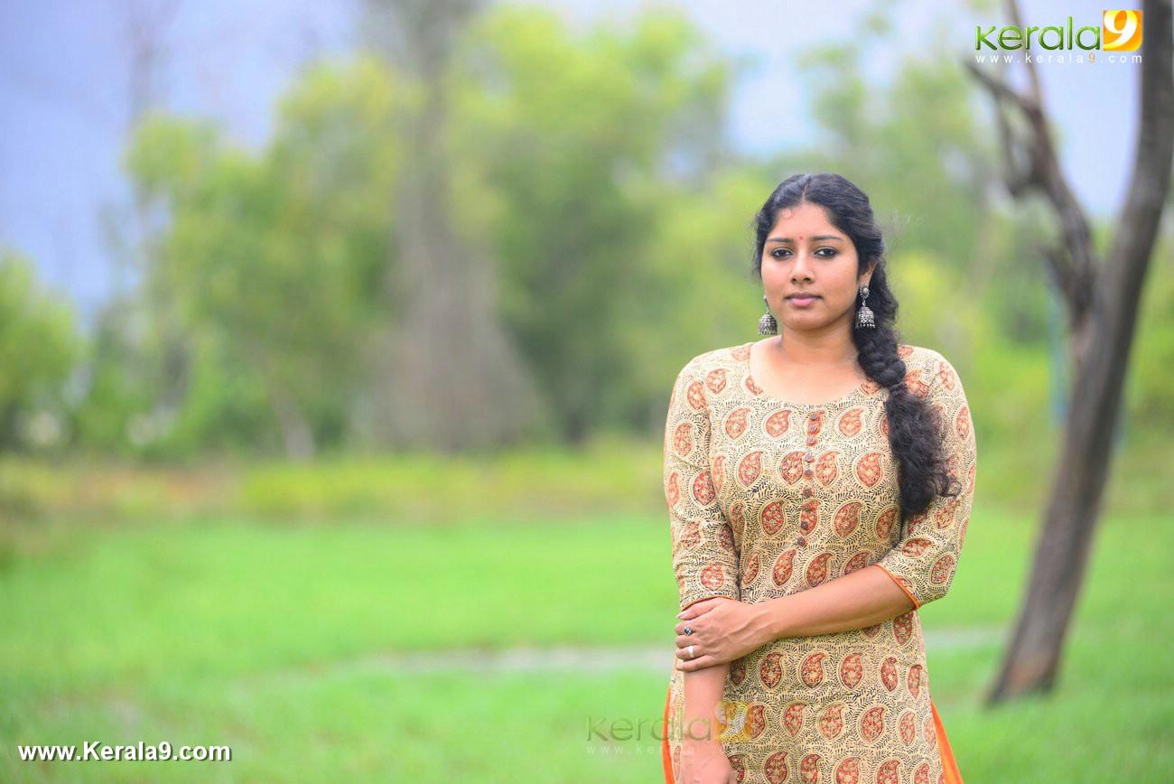 malayalam-actress-anumol-latest-photos-01225