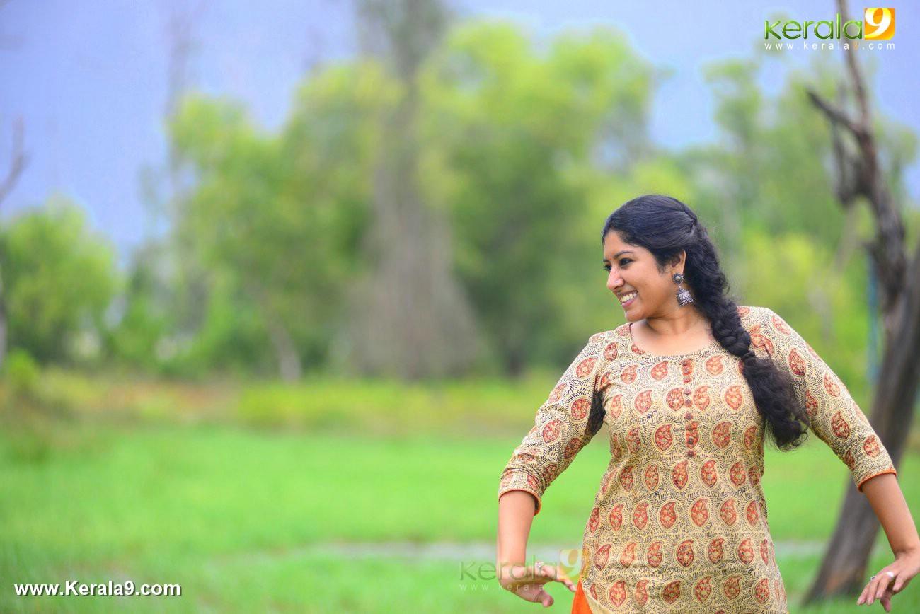 malayalam-actress-anumol-latest-photos-01693