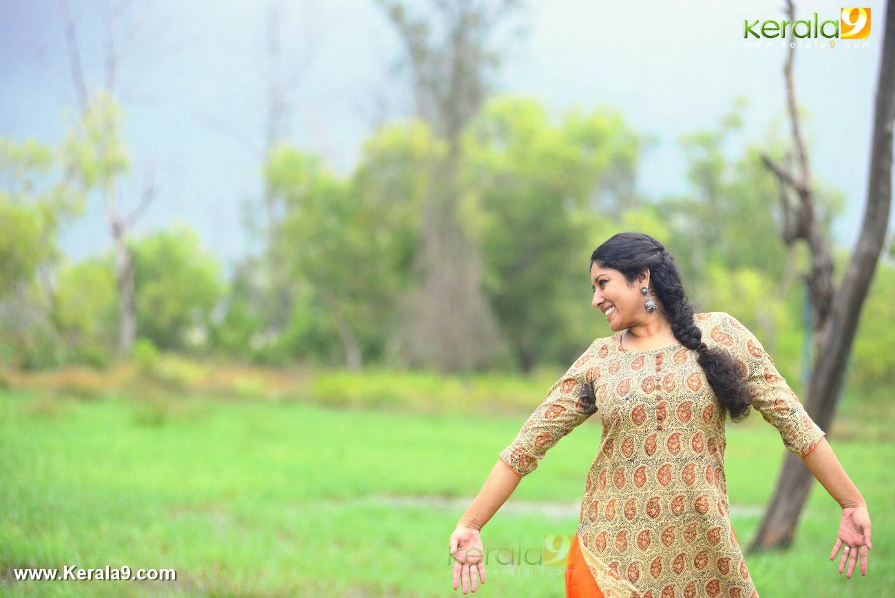 malayalam-actress-anumol-latest-photos-0172