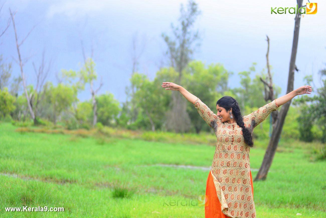 malayalam-actress-anumol-latest-photos-01883
