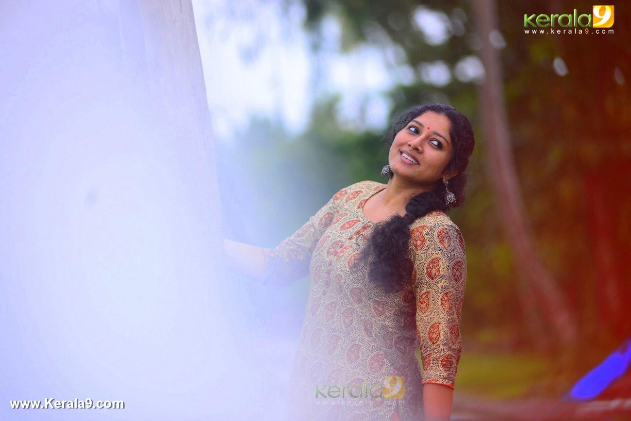 malayalam-actress-anumol-latest-photos-03326
