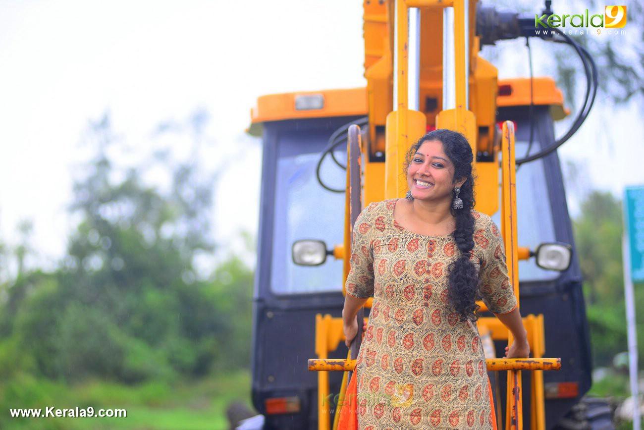 malayalam-actress-anumol-latest-photos-04067