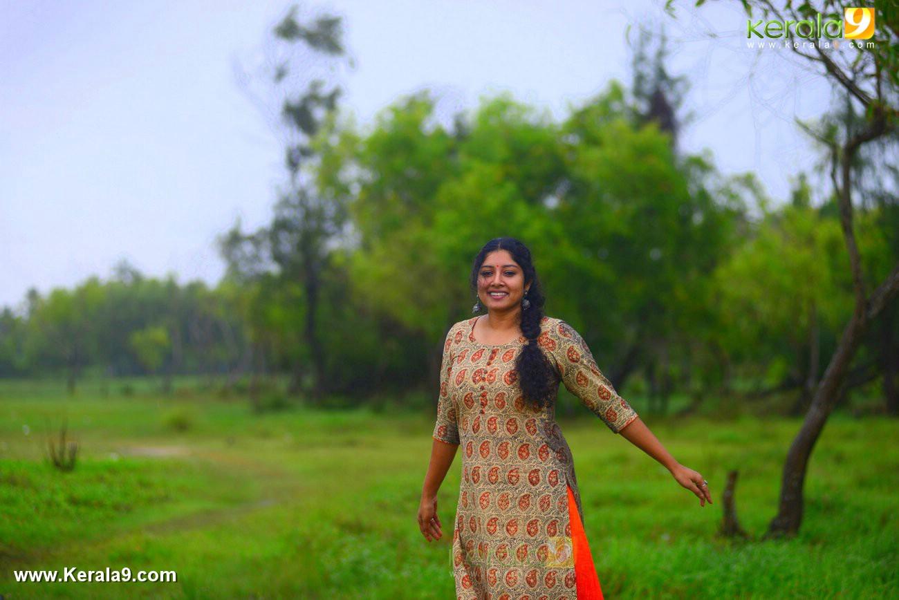 malayalam-actress-anumol-latest-photos-04679