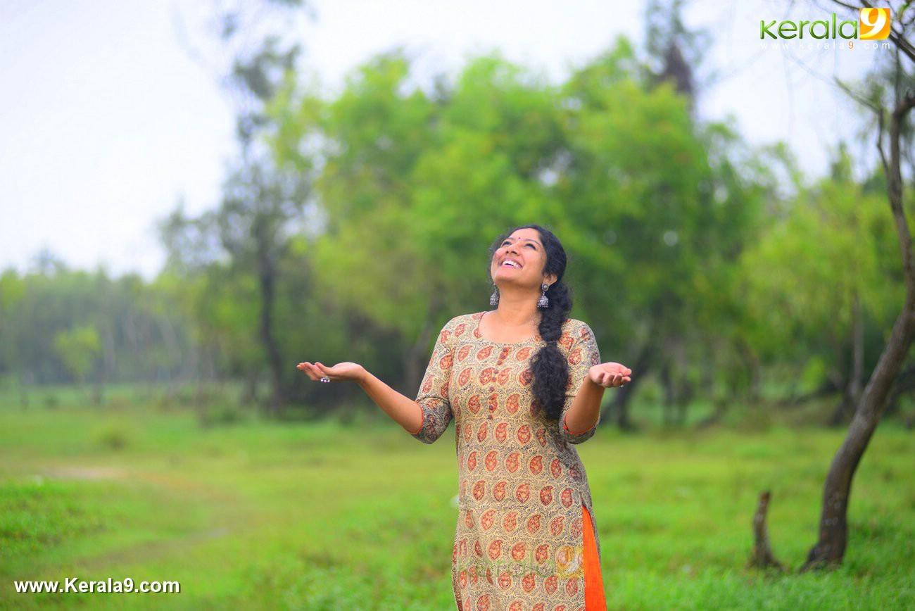 malayalam-actress-anumol-latest-photos-04712