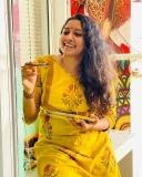 3_actress-anumol-latest-photos-002