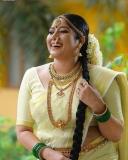 actress-anumol-latest-photos-in-kerala-set-saree-002