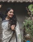 actress anumol new photos 0421-002