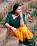 anu-sithara-new-photos-in-half-saree-0321-002