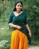 anu-sithara-new-photos-in-half-saree-0321