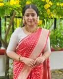 anusithara-new-saree-pictures-01
