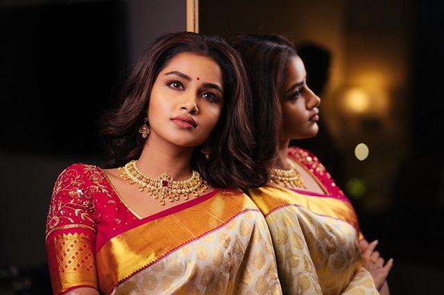 Anupama Parameswaran Photos hd2313-006