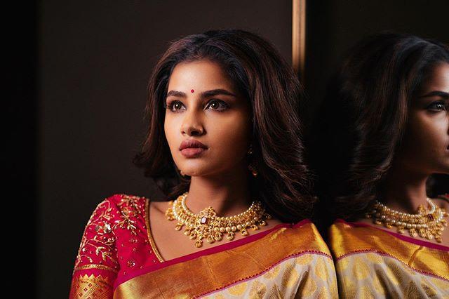 Anupama Parameswaran Photos hd2313-008