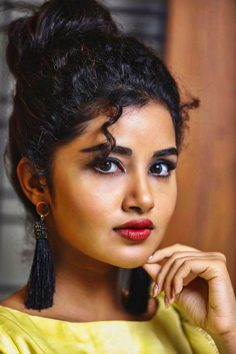 anupama parameswaran latest saree photos-002