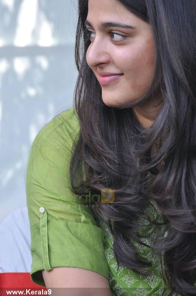anushka-shetty-pics0182
