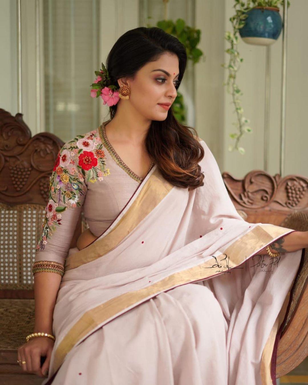Anusree in saree photos2313 -3