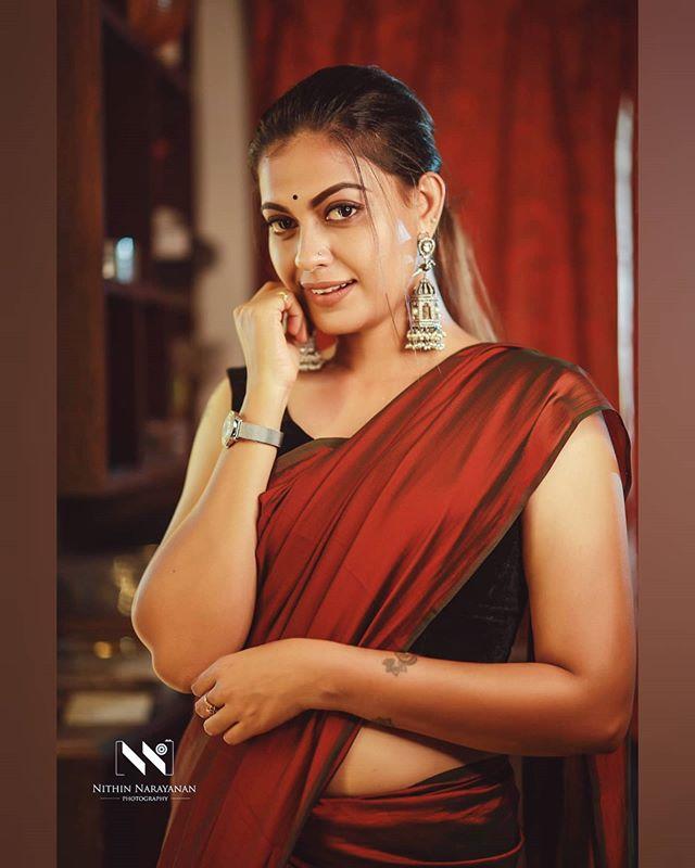 anusree new saree photos-002