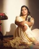aparna-balamurali-latest-photoshoot-in-onam-saree-2021-003
