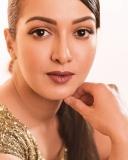 actress-catherine-tresa-latest-photos-004