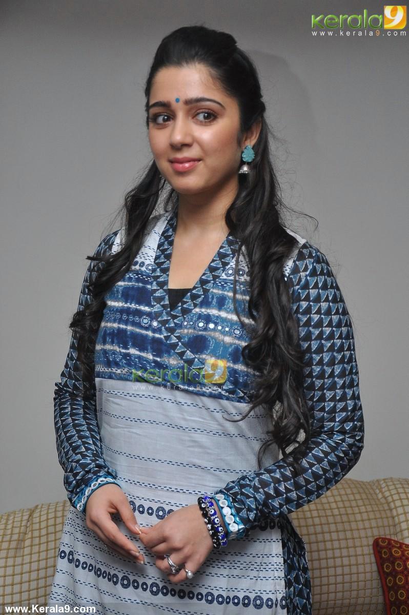 charmi-kaur-photos-00520