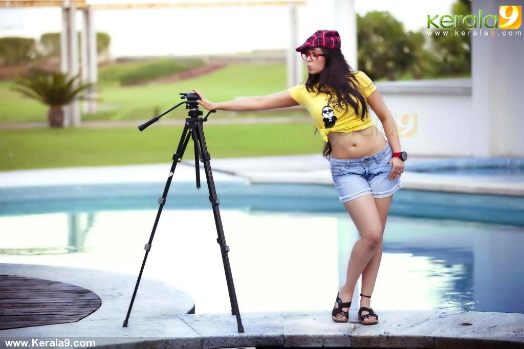 charmi_latest_photo_shoot_-02012
