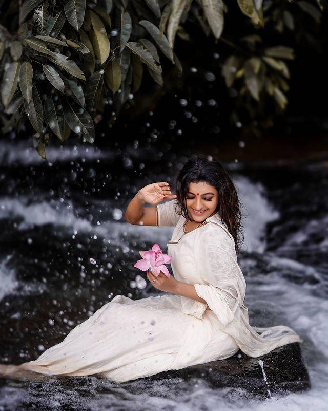 durga-krishna-saree-photos-008