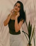 actress-esther-anil-new-photos-032-005