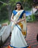 honey-rose-latest-photos-in-kerala-saree-09