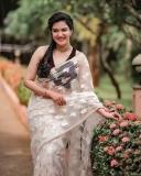 honey-rose-new-saree-look-photos-001