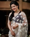honey-rose-new-saree-look-photos-002