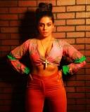 actress-iniya-new-photoshoot-in-modern-dress