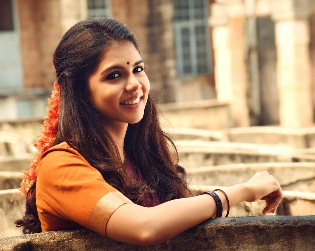kalyani priyadarshan latest images-008