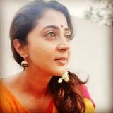 actress-kaniha-saree-photos-hd-001