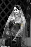 5286kavya_madhavan_photos_00-026