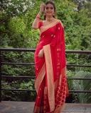 keerthi-suresh-red-saree-photos-004