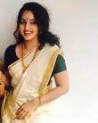 Malavika Menon in kerala saree photos2341-2