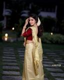 actress-malavika-menon-latest-onam-photoshoot-in-Kerala-settu-mundu-002