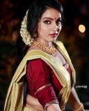 malavika-menon-latest-onam-photoshoot-in-Kerala-settu-mundu-001