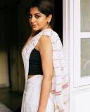 meera-nandan-new-photos-in-white-saree-001