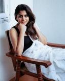 meera-nandan-new-photos-in-white-saree-003