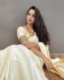 namitha-pramod-new-onam-photos-in-kerala-saree-001