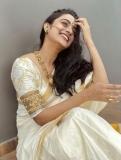 namitha-pramod-new-onam-photos-in-kerala-saree-002