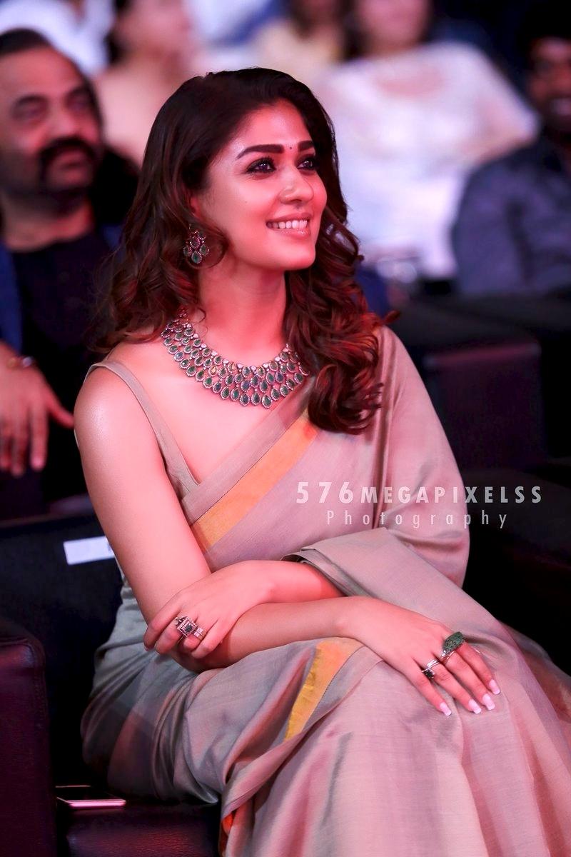 nayanthara-vijay-awards-2018-photos-379