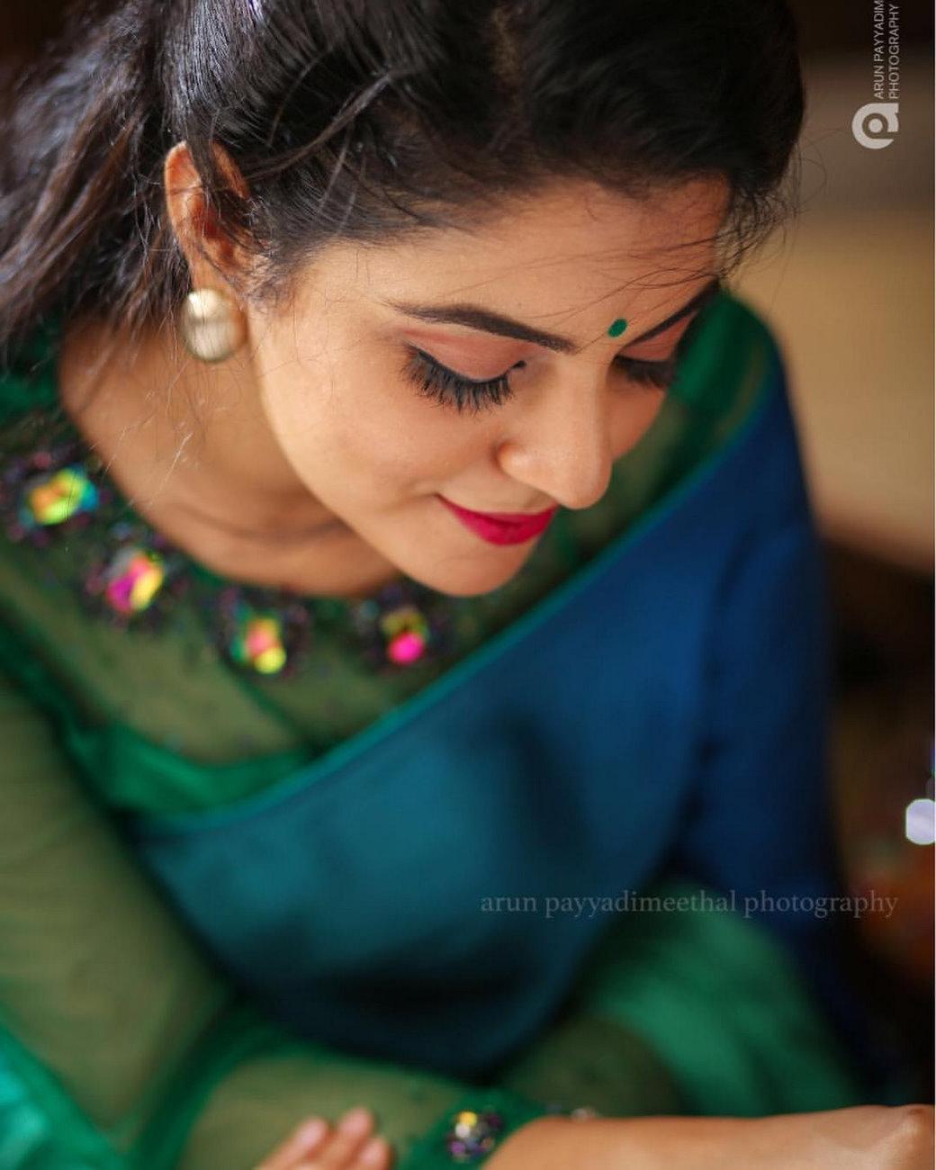 actress-nikhila-vimal-pictures-620