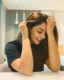 actress-nikhila-vimal-latest-photos-003
